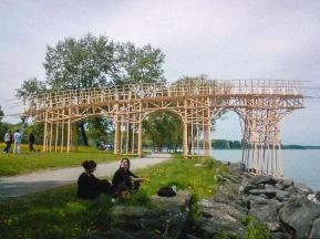 Die Brücke endet als Steg, Co-Work with Bildstein|Glatz «Soweit das Budget reicht» (material costs) Fichtenholz und Schrauben, 2009, Arbon, Thurgau, Switzerland